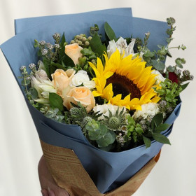 Hand Bouquet-Dreamy Sunflowers
